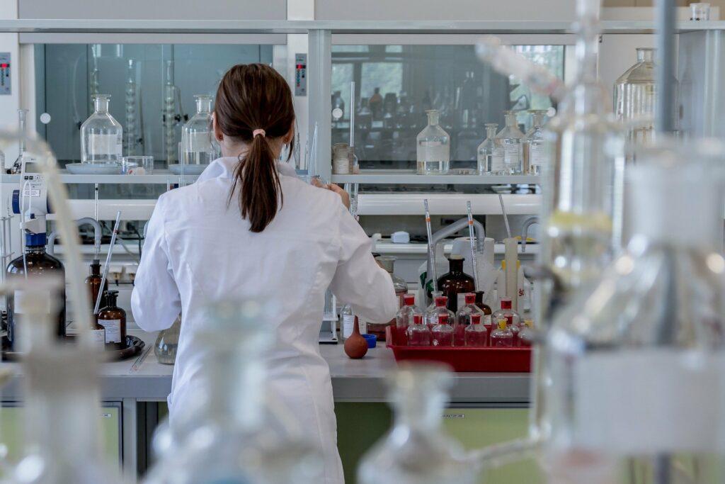 RIPUBBLICAZIONE AVVISO PUBBLICO Reclutamento allievi per il percorso formativo integrato – Esperto del ciclo di produzione nel settore chimico e farmaceutico