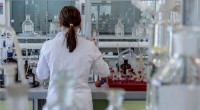 AVVISO PUBBLICO. Reclutamento allievi per il percorso formativo integrato Esperto del ciclo di produzione nel settore chimico e farmaceutico